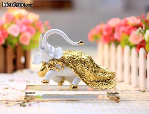 Để cung Tử Tức phát huy hết công năng, bạn có thể đặt các đồ vật kim loại như vàng, bạc…
