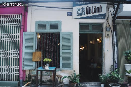 tham-quan-quan-cafe-co-kien-truc-co-doc-dao-va-la-mat15511711115